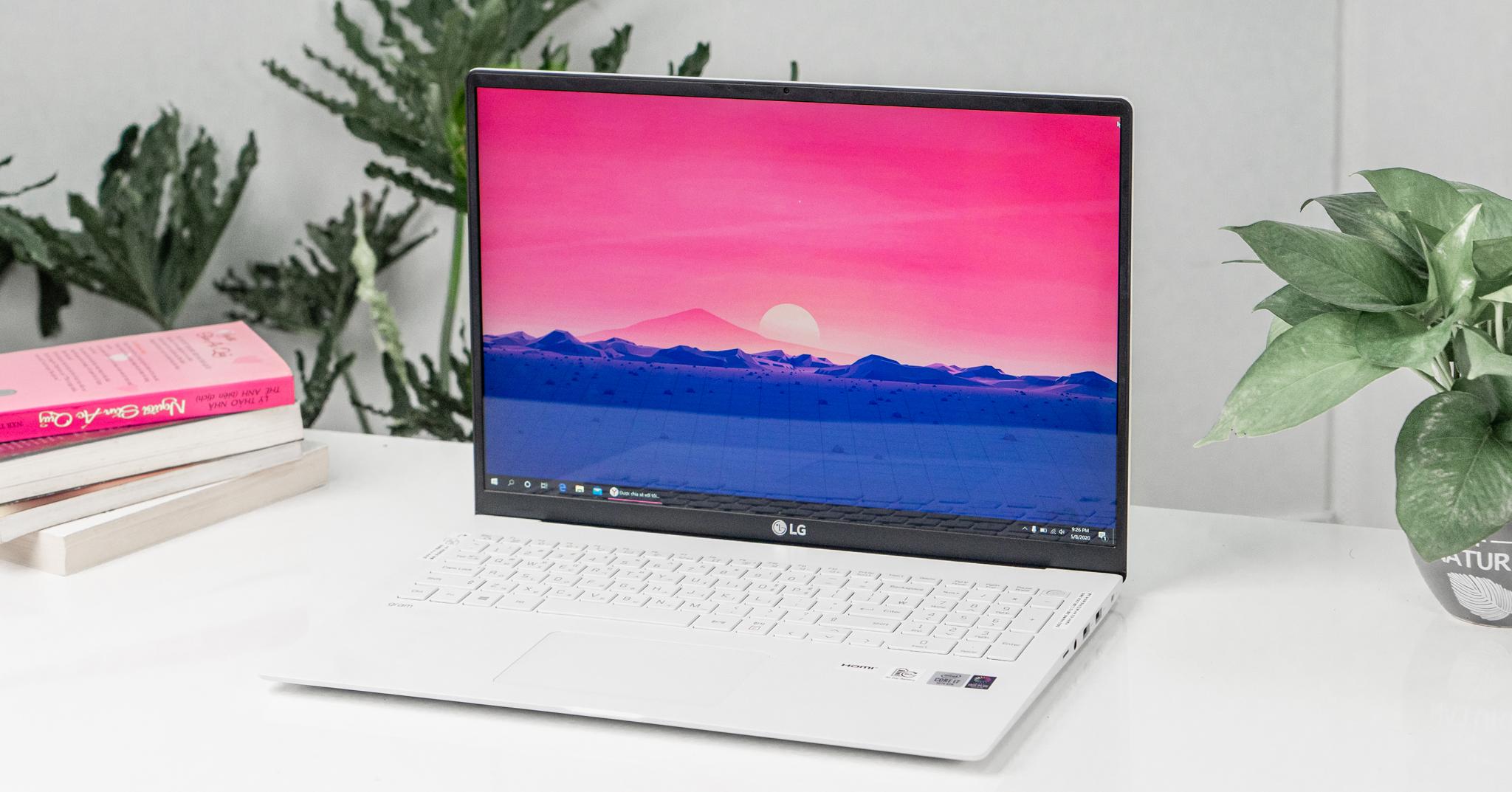 Trên tay LG Gram 2020 17: Laptop 17 inches siêu nhẹ, siêu bền đến từ LG