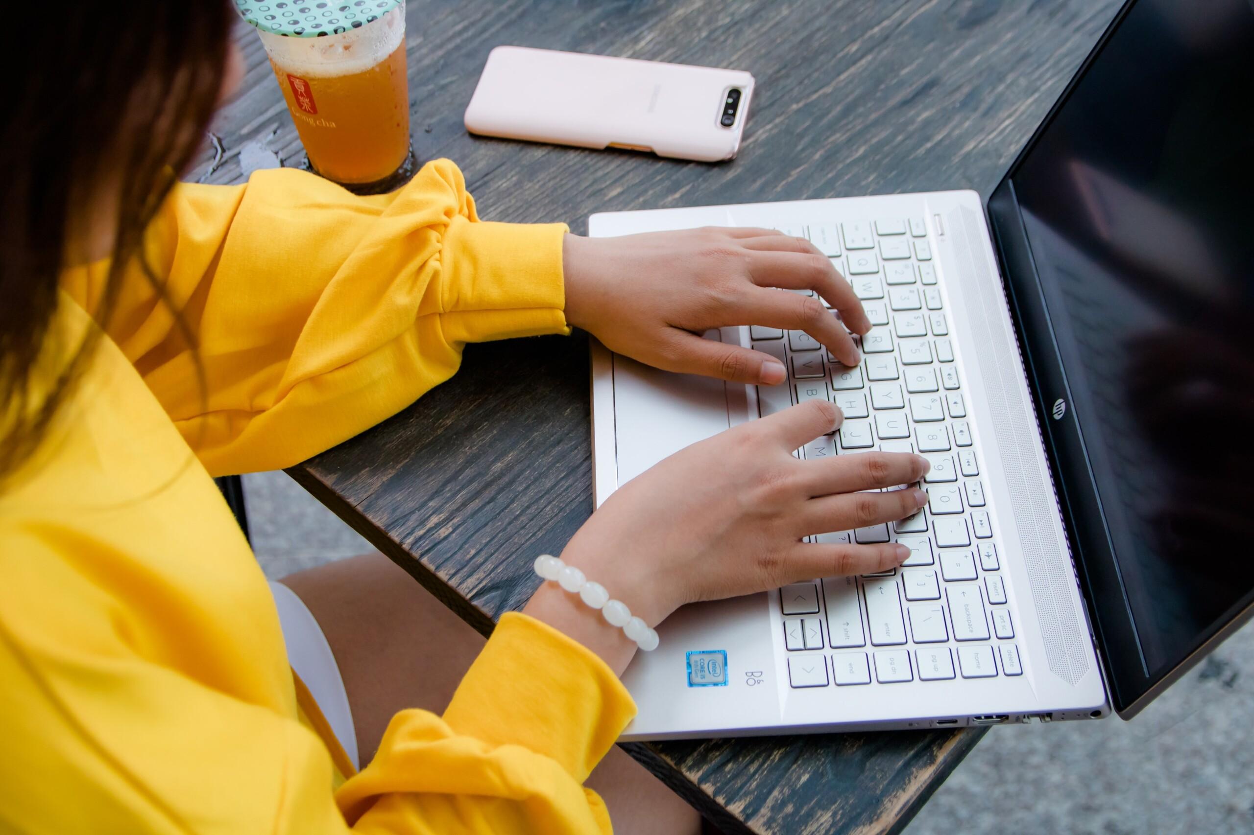 Những mẫu laptop dưới 15 triệu tốt nhất 2020 được ưa thích